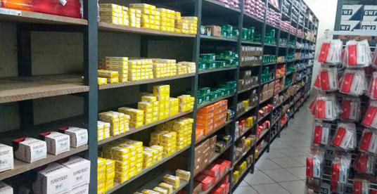 Somos especialistas em peças de reposição para caminhões e ônibus (lâmpadas, faróis, lanternas, alternadores, escovas, retentores e alternadores para todas as marcas).